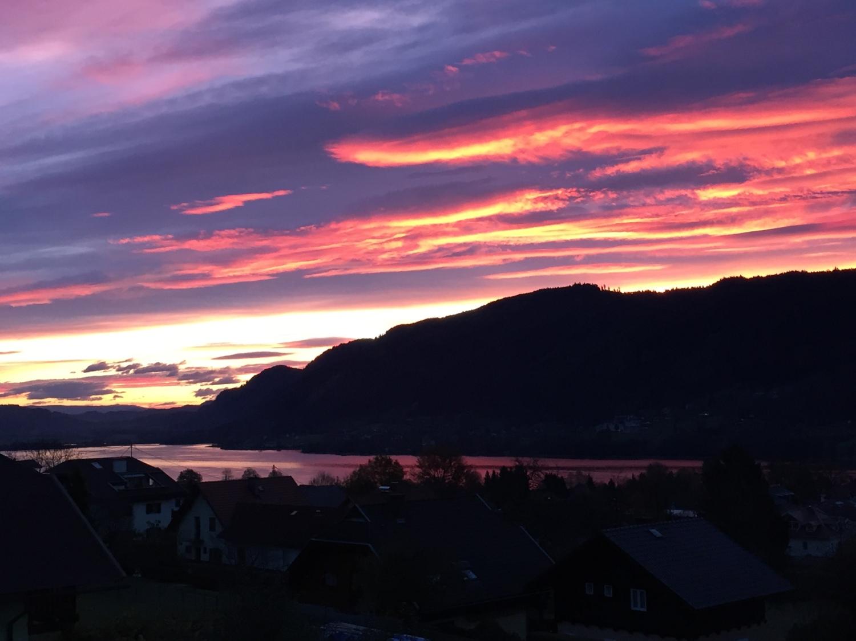 Sonnenaufgang am Ossiacher See in Österreich - Die Suche nach dem Glück.